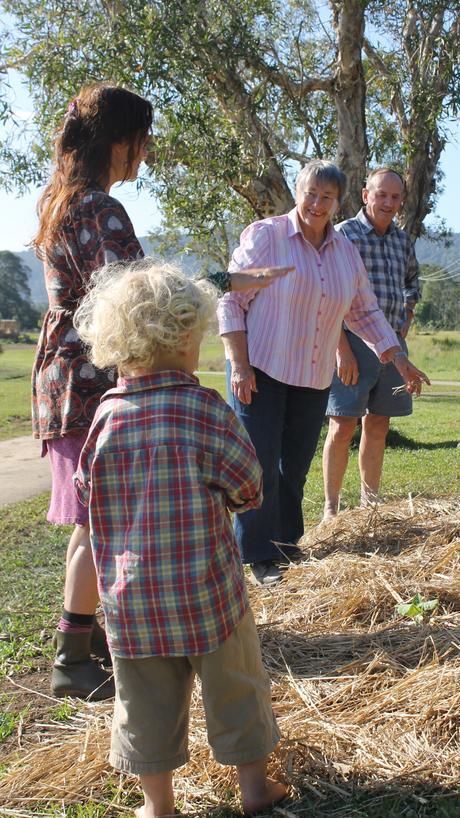 Planting celebrations at Tallowood Ridge
